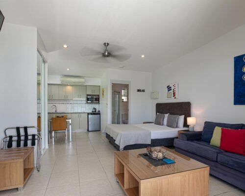 airlie-beach-studio-apartments (13)