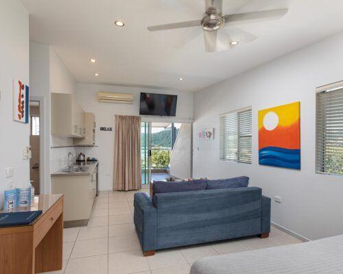 airlie-beach-studio-apartments (15)