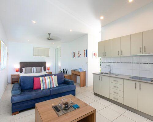 airlie-beach-studio-apartments (5)