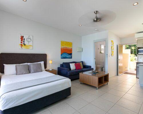 airlie-beach-studio-apartments (9)